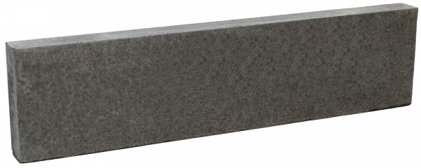 Basalt Stelen 7/25/100 cm geflammt, Kanten gefast